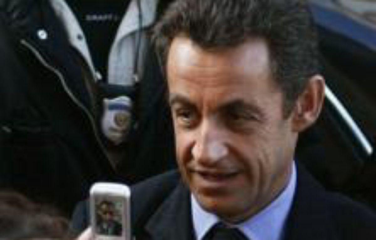 """""""Le président de la République effectuera le dimanche 30 et le lundi 31 décembre une visite officielle en Egypte. Il se réjouit tout particulièrement de sa visite, et de la rencontre qui est prévue avec le président Hosni Moubarak"""", a déclaré M. Martinon lors de son point de presse hebdomadaire. – Tiziana Fabi AFP"""