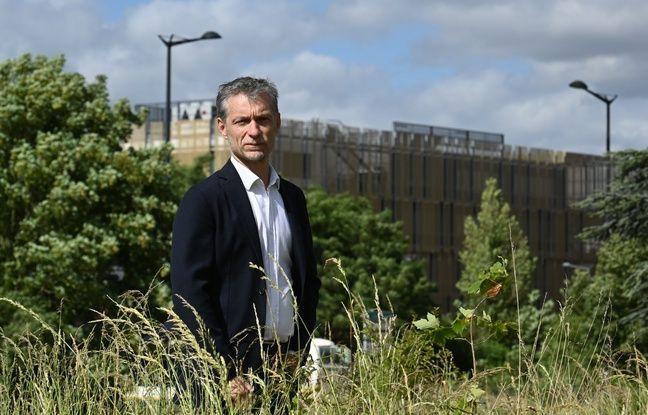 Stéphane Baly, en campagne pour le second tour des municipales à Lille, en 2020.