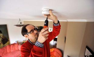 L'Assemblee Nationale a adopte en fevrier 2009 un amendement visant a rendre obligatoire l'installation de detecteurs de fumee dans tous les logements de France d'ici 5 ans.