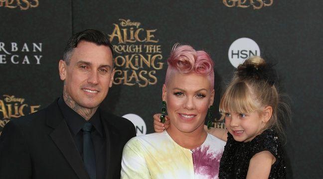Carey Hart, Pink et leur fille Willow à Los Angeles – WENN
