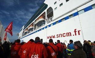 Un rassemblement de soutien à la CGT était organisé vendredi sur le port.