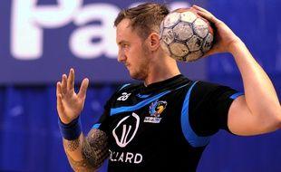 Le handballeur du Fenix Toulouse Valentin Porte lors du match des 16es de finale de Coupe de France entre Billère et Toulouse, le 7 février 2015 à Pau.