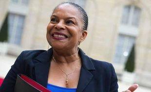 La ministre de la Justice Christiane Taubira, le 7 mai 2013, dans la cour de l'Elysée, après le Conseil des ministres.