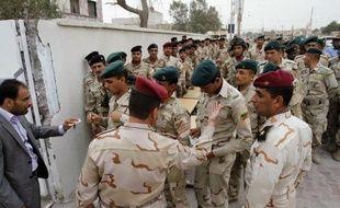 Une nouvelle vague d'attentats a fait au moins 24 morts et 212 blessés lundi matin à travers l'Irak, à quelques jours des élections provinciales du 20 avril.