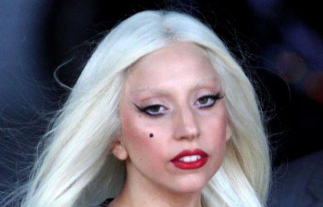Lady Gaga devant ses fans à L.A., le 28 juillet 2011