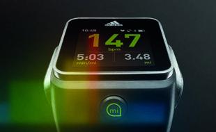 Plus grand public qu'une Garmin 620, la Smart Run d'Adidas est aussi moins technique.
