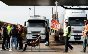"""Le péage du """"Pont de Normandie"""" bloqué le 25 mai 2016 au Havre"""