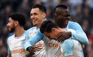 Balotelli et Thauvin en plein fou rire après un but de l'Italien au Vélodrome, le 16 février 2019, face à Amiens.