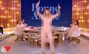 Daphné Bürki sur le plateau de la spéciale «tout nu» de son émission «je t'aime, etc.» diffusée sur France 2 le 6 janvier 2019.