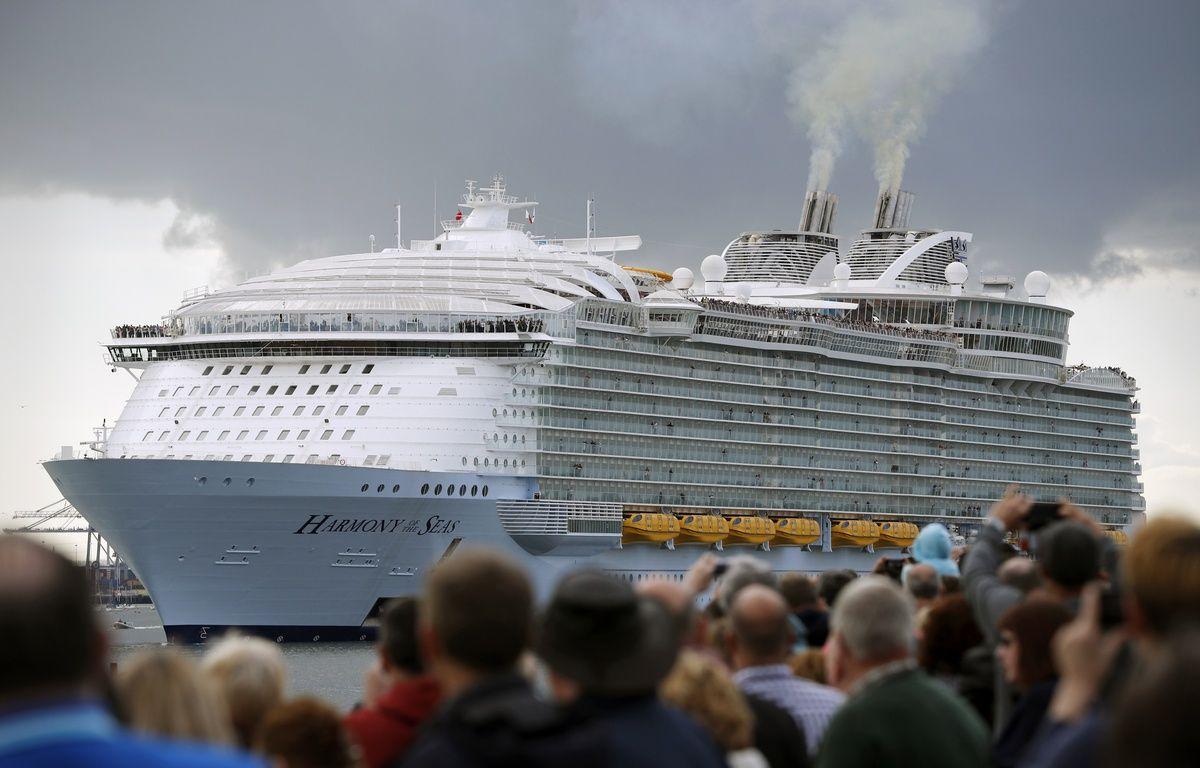 L'Harmony of the seas, le plus gros paquebot du monde, construit à Saint-Nazaire. – ADRIAN DENNIS / AFP