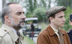 Antoine Duléry et Marius Colucci dans Petits meurtres d'Agatha Christie, diffusé sur France 2.