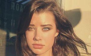 Les yeux du mannequin Sarah McDaniel font un malheur sur Instagram et participent à la popularité de la jeune femme lancée par l'agence LA Models.