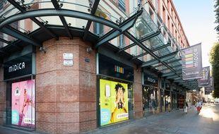 La magasin  Midica occupa la place Esquirol depuis 73 ans.