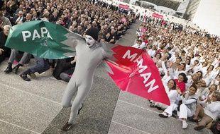 Des manifestants contre le mariage homosexuel à la Défense, le 23 octobre 2012.