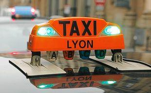 Illustration de taxis à Lyon