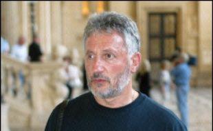 Le nationaliste corse Charles Pieri a vu jeudi sa peine ramenée en appel de dix à huit ans d'emprisonnement et 100.000 euros d'amende pour une série de malversations financières en lien avec une entreprise terroriste.