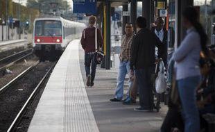 Un RER B entre en gare de La Courneuve