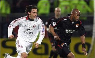 Lyon, tenu en échec à Gerland (0-0) malgré une belle domination, devra réussir un véritable exploit à San Siro pour continuer son parcours et poursuivre le rêve de son président Jean-Michel Aulas: être présent en finale, le 17 mai au Stade de France.