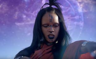 Rihanna dans le clip Sledgehammer