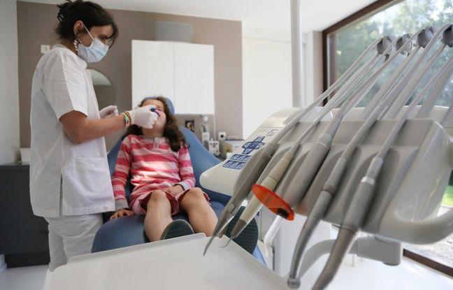 Illustration d'un dentiste.