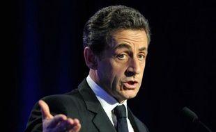 Les Français de l'étranger placeraient nettement en tête Nicolas Sarkozy (37%) si le premier tour de la présidentielle avait lieu dimanche, devant François Hollande (27%), selon un sondage de OpinionWay TV5Monde et Lepetitjournal.com.