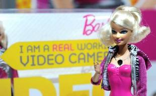 Une poupée Barbie sur un stand du Salon du jouet de New York, le 14 février 2010