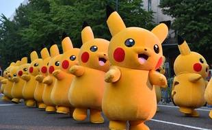 Parade de Pikachu à Yokohama.   AFP PHOTO / KAZUHIRO NOGI