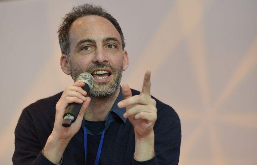 Européennes: Raphaël Glucksmann officiellement candidat pour prendre la tête d'une liste de gauche