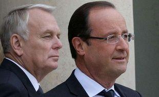 Le Prmier ministre Jean-Marc Ayrault en compagnie du président de la République François Hollande, le 10 octobre 2012