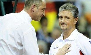 Pascal Maria (à gauche) lors d'un match de Coupe Davis, en décembre 2009.