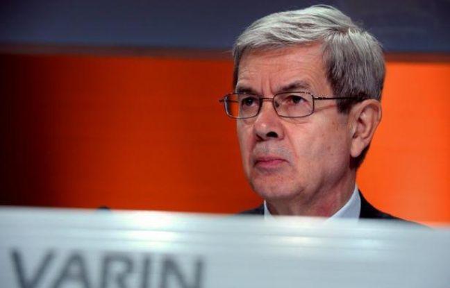 Le conseil de surveillance du constructeur automobile PSA Peugeot Citröen a exprimé mercredi son soutien au président du directoire Philippe Varin et à sa stratégie, réfutant les rumeurs de destitution qui avaient agité les milieux boursiers plus tôt dans la journée.