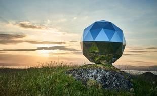 La boule à facettes spatiale va passer 9 mois en orbite autour de la Terre.