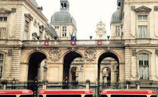 Le tram-train touristique de la Croix-Rousse vient d'être mis en service.