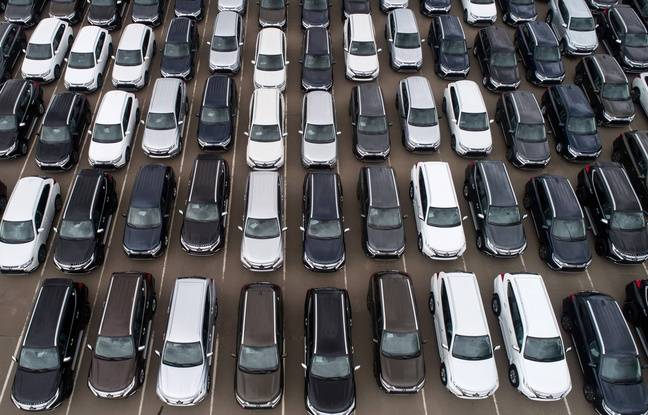 648x415 illustration vehicules neufs parking usine automobile region kaluga russie 24 septembre 2019