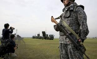 Un soldat des Forces japonaises d'autodéfense lors d'un exercice à Tokyo, le 29 août 2017.