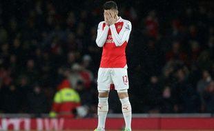 Olivier Giroud a manqué de réussite en touchant les poteaux lors d'Arsenal-Swansea (1-2), le 2 mars 2016.