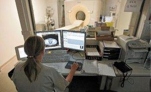 Un scanner du corps entier équivaut pour le patient à la dose que reçoit un travailleur du nucléaire en une année.