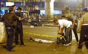 Les autorités ont commencé les investigations après l'attentat perpétré dans un terminal de bus à Jakarta (Indonésie), le 24 mai 2017.