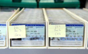 Le 25 février 2010 à Limoges de cartes d'identité nationales en attente de vérification afin de déceler d'éventuels défauts au centre d'établissement de la carte d'identité française.