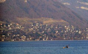 Vue de la Tournette sur les hauteurs du lac d'Annecy.