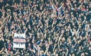Les supporters du PSG à Anfield.