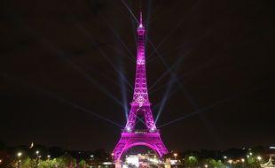 Comme chaque année depuis 2015 la tour Eiffel sera en rose mardi pour le lancement d'Octobre rose.