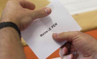 Un bulletin de vote Marine Le Pen.