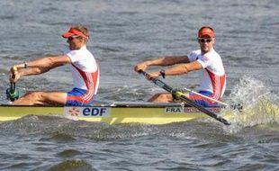 La France est venue chercher de l'or à l'autre bout du monde avec pas moins de quatre bateaux candidats au titre lors des Mondiaux 2010 d'aviron, qui débutent dimanche sur le lac Karapiro, dans le nord de la Nouvelle-Zélande.