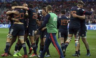 L'Equipe de France après sa victoire contre le Pays de Galles.