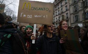 Bayer a présenté dimanche ses excuses après les révélations sur le fichage de personnalités par Monsanto.