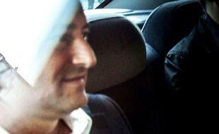 """Le maire de Montréal a été arrêté lundi par la police et accusé de """"complot, abus de confiance et actes de corruption"""", nouveau rebondissement dans les scandales qui frappent la métropole québécoise et qui impliquent élus, fonctionnaires, entrepreneurs et membres de la mafia."""