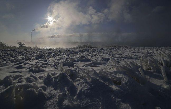 Un champ couvert de glace près du village de Druzhnyi, à 35 km de Minsk, le 27 février 2018.