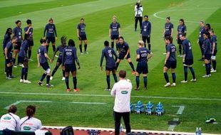 Les jouesues de l'équipe de France s'entraînent du côté de Mandelieu-la-Napoule.