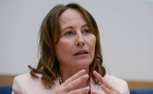 L'ex-ministre de l'Ecologie Ségolène Royal assure avoir été contactée par Jean-Yves Le Drian pour entrer au gouvernement de Jean Castex, dont la composition sera dévoilée ce lundi.